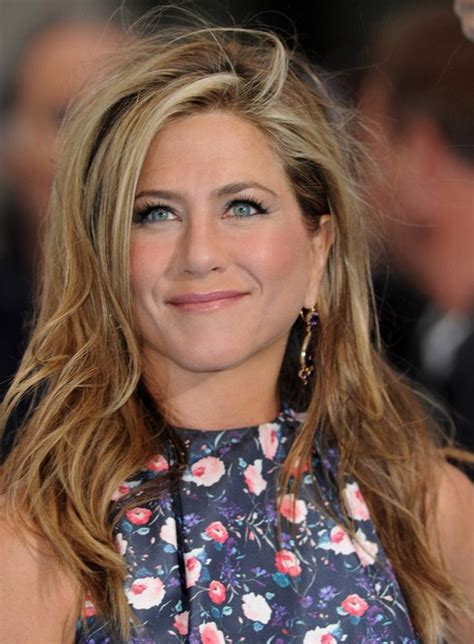 jennifer aniston side bangs jennifer aniston long hairstyles 2014 side swept bangs
