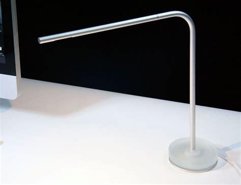 desk with light manifold piccolo usb desk l 187 gadget flow