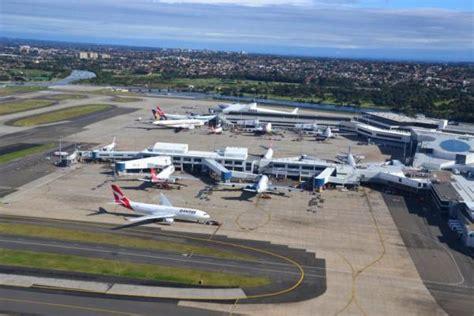 Sistim Pengawasan Lalu Lintas Penerbangan Sipil internasional atc bermasalah penumpang menumpuk di bandara sydney
