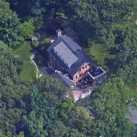 bill belichick s house in weston ma maps