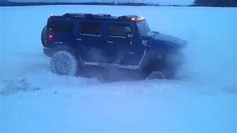 snow hummer hummer h2 in snow