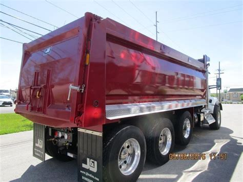 kenworth trucks 2016 2016 kenworth t880 dump trucks for sale 17 used trucks