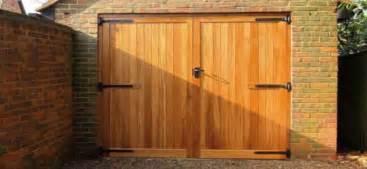Residential Bifold Garage Doors Bi Fold Garage Doors Bifold Garage Doors Residential Interior Designs Flauminc