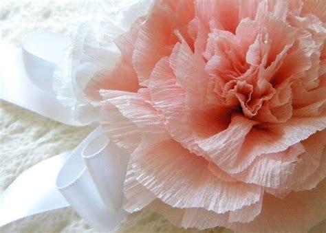 fiore carta come si fanno i fiori di carta crespa fiori di carta