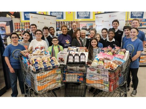 Food Pantry Montclair Nj by Stop Shop Donates One Ton Of Kosher For Passover Food To