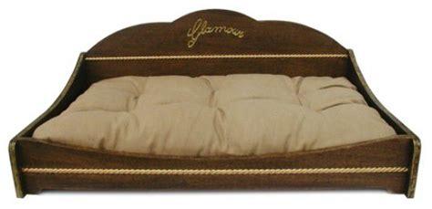 divanetti in legno letti e divani per cani