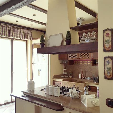 mobili rustici per cucina come organizzare gli spazi in cucina