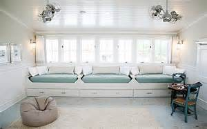 Built in daybeds