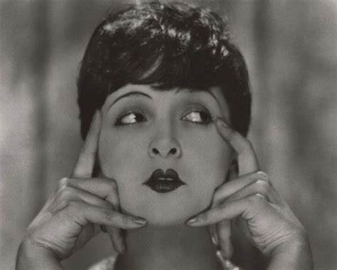 1920s short hairstyles for women 154 best lip service images on pinterest