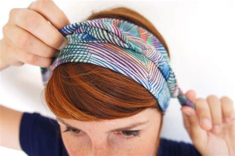 comment porter un bandeau dans les cheveux comment attacher un bandeau dans ses cheveux de fa 231 on