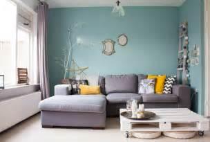 wandfarbe zu grauem sofa farbe f 252 rs wohnzimmer wenn pastellen ins spiel kommen