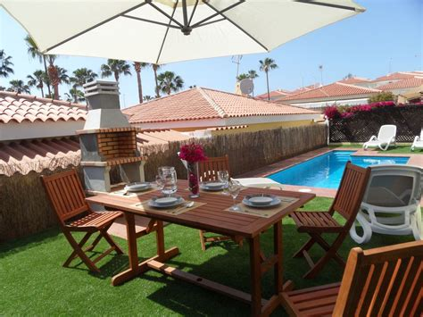 awesome 12 bedroom vacation rental 4 homeaway calissto com amazing villa with private pool and car homeaway