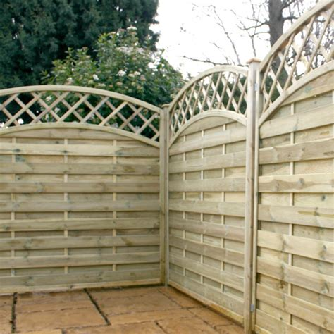 5 Ft Fence Panels With Trellis Fencing Horizontal Weave Convex Trellis Fence Panels 5ft 11