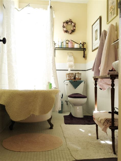 Do Bed And Breakfasts Bathrooms by Lavender Bathroom Clawfoot Tub Gingerbread Cottage Bed And Breakfast