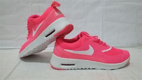 Daftar Sepatu Badminton Nike sepatulucu harga sepatu nike perempuan images