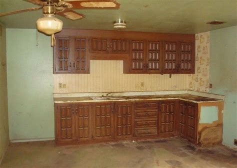 re help with these ugly kitchen cabinets ugly house photos 187 john f long cabinets