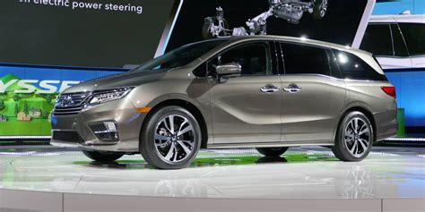 honda debuts 2018 odyssey project honda plays it safe with redesigned 2018 odyssey driving