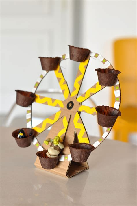 things made out of recycled materials diy ferris wheel toy made out of recycled material green