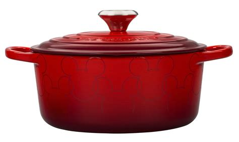disney le creuset le creuset introduces disney inspired cookware simplemost