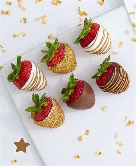 Dessert Chocolate Dipped Strawberries by Gold Desserts For The Golden Globes B Lovely Events