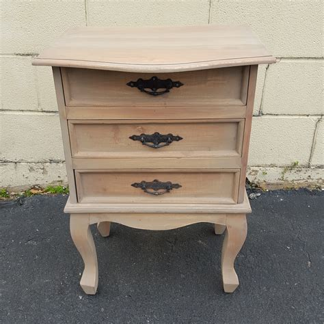 Nightstand Legs by Nightstand With Cabriole Legs Nadeau