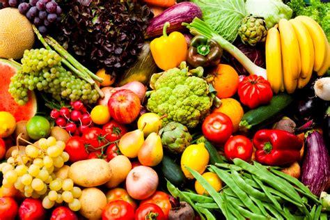 les lã gumes vegetable recipes from the market table books pourquoi les fruits et l 233 gumes sont ils toujours plac 233 s 224