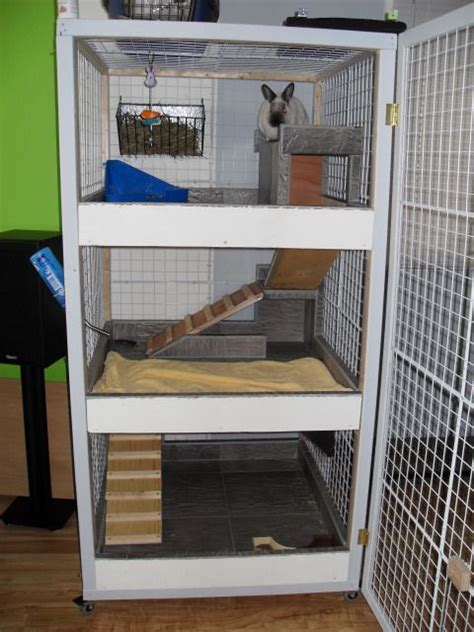 Flooring For Dog Pens by 1000 Ideas About Indoor Rabbit Cage On Pinterest Rabbit