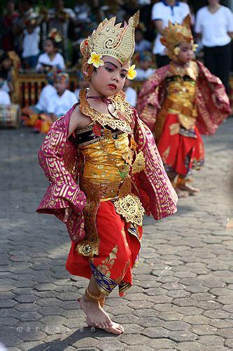 manuk rawa dance cultures denpasar learn
