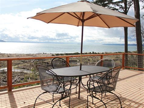 whidbey island waterfront beach house cabins for rent in clinton private whidbey island waterfront beach cabin vrbo