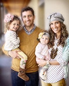 family picture color ideas color schemes and outfit ideas on pinterest what to wear