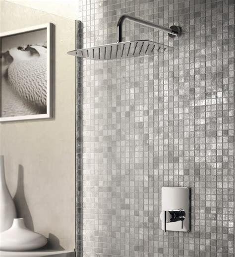 soffioni doccia ideal standard a parete o a soffitto i moderni soffioni doccia