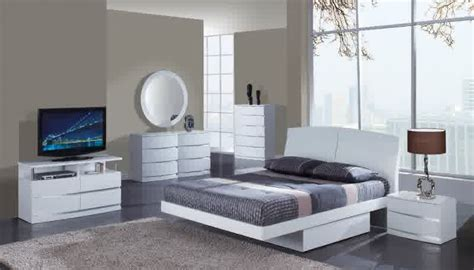 buy a new bed things to consider before buying a new bed set thomas