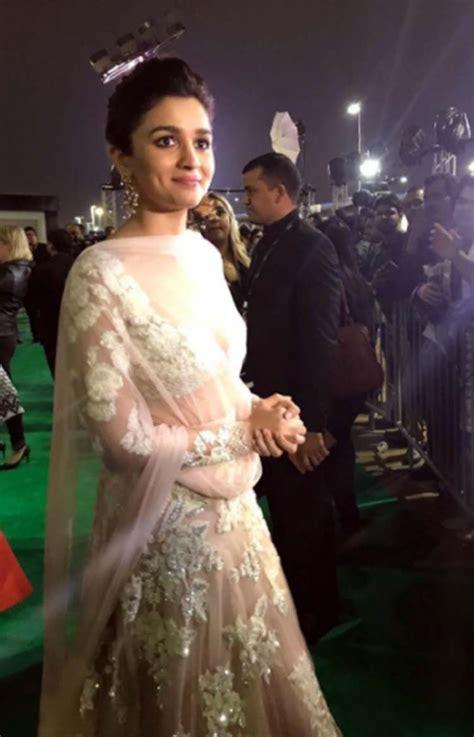 Dress Iffa iifa 2017 alia bhatt s cinderella dress costs way more