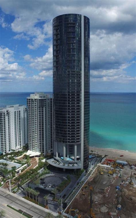 elevating design porsche design tower  miami turns residents cars  works  art