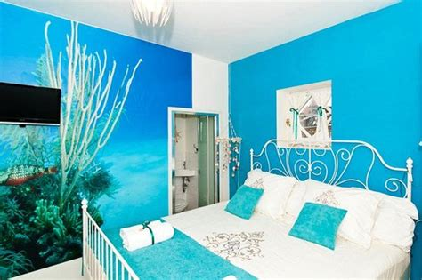 Moisture In Bedroom by Bedroom Ideas For Wallpaper