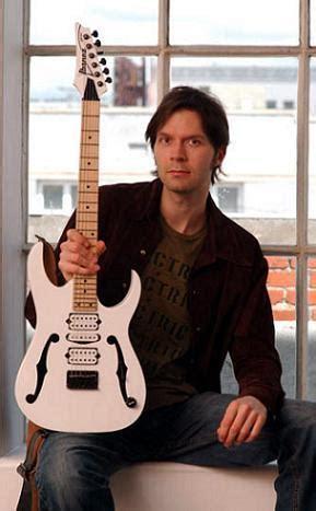 Baju Gitaris Paul Gilbert Mr Big daftar 10 gitaris terbaik tercepat di dunia vend666etta