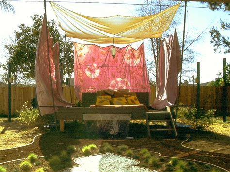 Outdoor Canopy Decorating Ideas by Shady Yard With Diy Outdoor Canopy And Wooden Daybed Frame