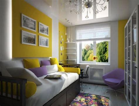 schlafzimmerwand akzente wandgestaltung jugendzimmer m 228 dchen lila akzente gelbe