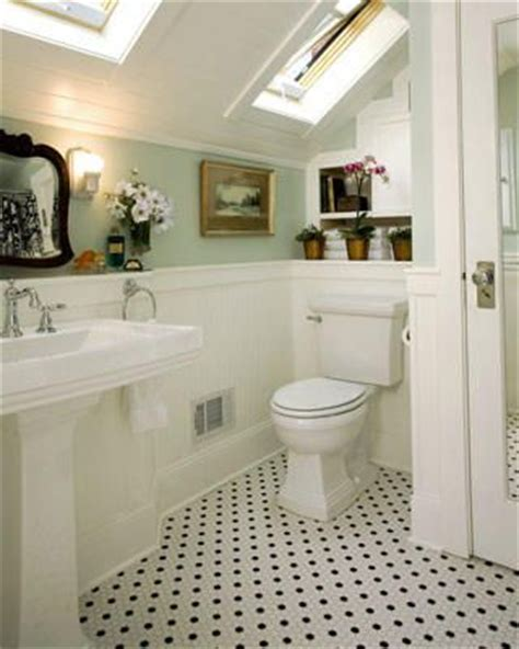 old fashioned bathroom ideas 17 best ideas about small vintage bathroom on pinterest