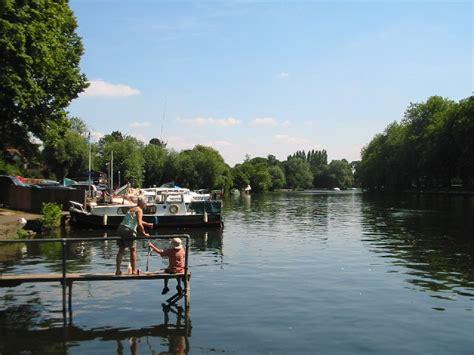thames river description file river thames datchet geograph org uk 25721 jpg
