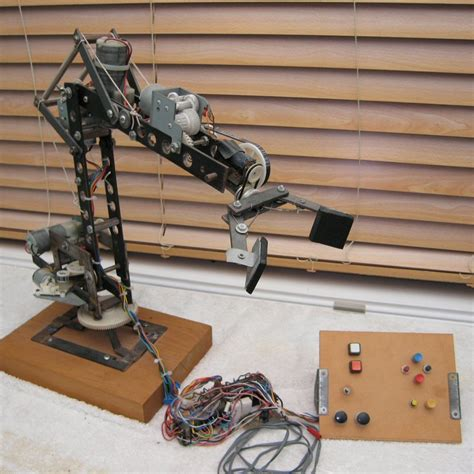 Mechanical Arm Oldvcr