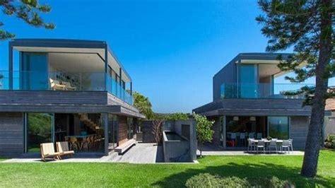 arnold schwarzenegger house arnold schwarzenegger to buy boomerang beach house port macquarie news