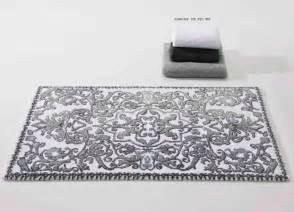 silver bath mat silver bathroom rugs roselawnlutheran