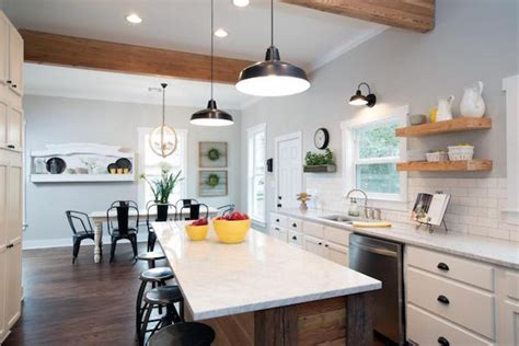 quot fixer upper quot 7 house flips that will make your jaw drop 7 house flips on fixer upper that will make your jaw drop