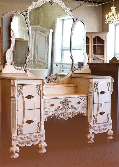 Vintage Style Vanity Table Antique Vanity Vanities Mirrors And Dressing Tables Antique Vanity Vanities And
