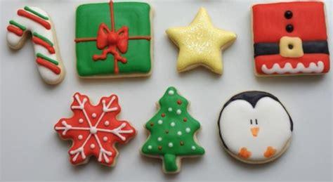 Biscotti Di Natale Con Glassa Colorata by Biscotti Di Natale Ricette Con Glassa