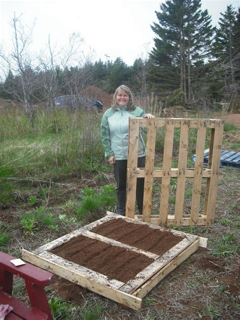 pallet raised garden bed raised garden beds pallets crowdbuild for