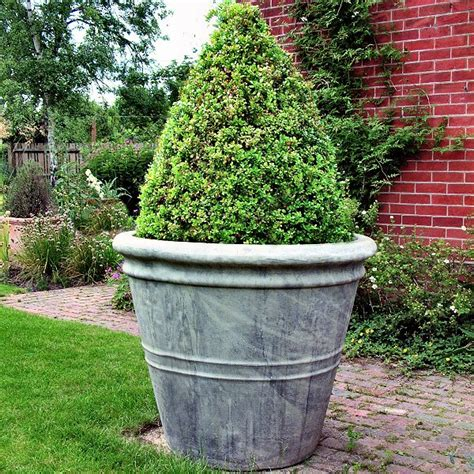 Large Outdoor Planters by Large Garden Pot Garden Planters