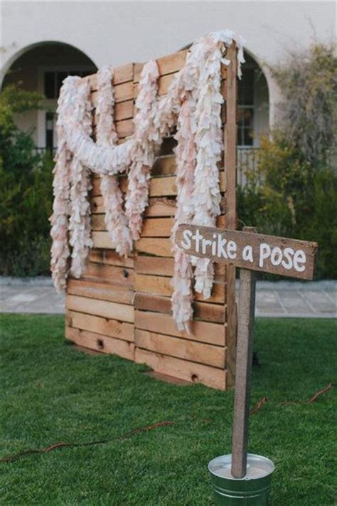 Wedding Backdrop Design For Photo Booth by Diy Pallet Photo Booth Backdrop Pallets Designs
