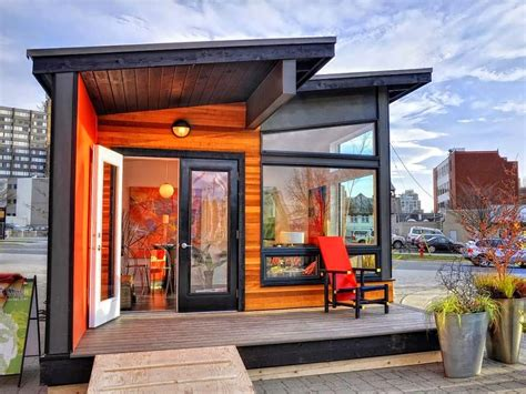 small  minimalist house design  center  city